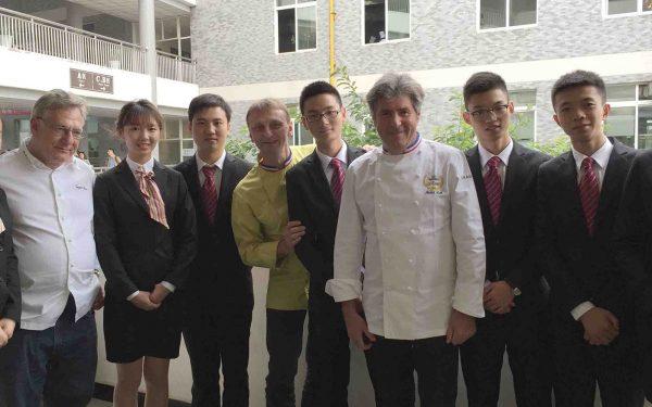 École Hôtelier Chengdu - Frederic Jaunault Meilleur Ouvrier France Primeur Fruits Legumes