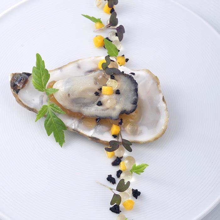 Création culinaire perle de mangue huitre - Frederic Jaunault MOF Primeur Fruits Legumes
