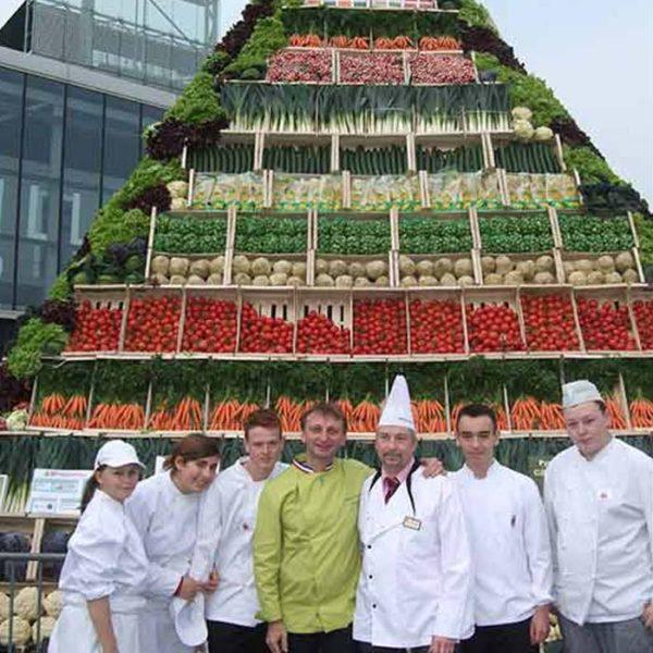 Évènement Pyramide avec légumes de France - Frederic Jaunault MOF primeur Fruits Legumes