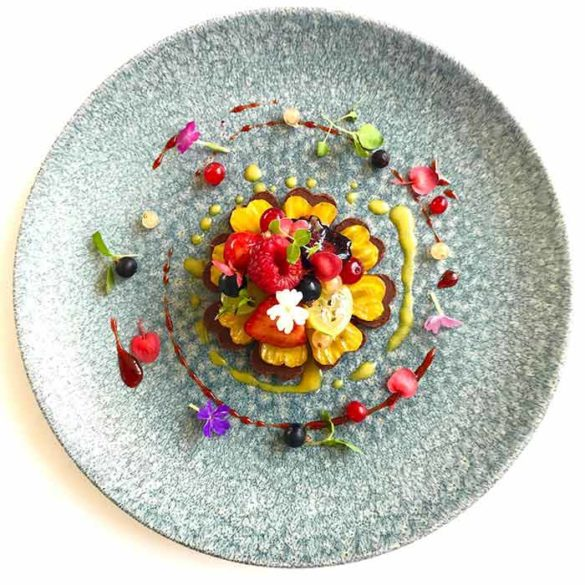 Création culinaire dessert betterave ananas - Frederic Jaunault MOF Primeur Fruits Legumes